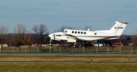 N72MM @ FRG - King Air 200 about to touch down