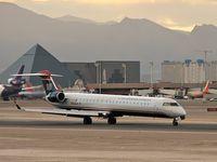 N956LR @ KLAS - US Airways Express / 2005 Bombardier Inc. CL600-2D24