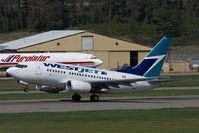 C-GWSI @ CYLW - Westjet Boeing 737-600