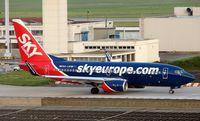HA-LKM @ LFPO - Boeing 737