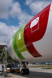 CS-TOJ @ VIE - TAP Air Portugal Airbus 330-200 - by Yakfreak - VAP