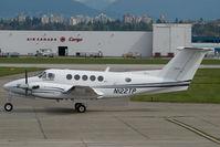 N122TP @ CYVR - Beech 200 King Air - by Yakfreak - VAP