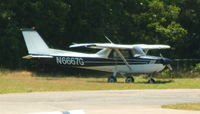 N6667G @ HWV - On the ramp at Brookhaven...
