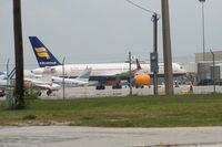 TF-FIA @ SFB - Icelandair