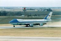 82-8000 @ CID - VC-25A, Air Force One, arriving on Runway 9 - by Glenn E. Chatfield