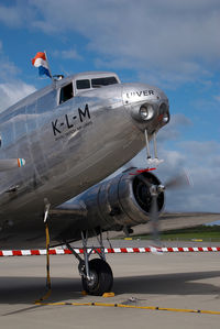 PH-AJU @ EDDH - KLM DC2