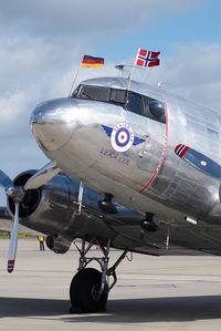 LN-WND @ EDDH - Dakota Norway DC3