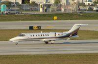 N5XP @ KFLL - Learjet 45
