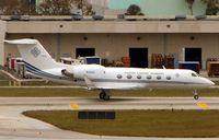 N4UC @ KFLL - Gulfstream G-IV