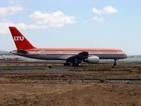 D-AMUH @ GCRR - Boeing 757-200 - by J. Thoma