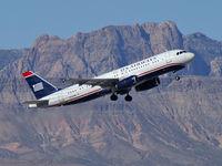 N634AW @ KLAS - US Airways / 1990 Airbus Industrie A320-231