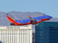 N241WN @ KLAS - Southwest Airlines / 2006 Boeing 737-7H4