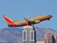 N734SA @ KLAS - Southwest Airlines / 1999 Boeing 737-7H4