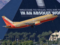 N653SW @ KLAS - Southwest Airlines / 1997 Boeing 737-3H4
