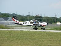 N821EV @ T82 - Landing at Fredericksburg, TX