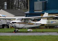 G-AVKG @ EGTK - Cessna F172Hat a very wet Oxford Kidlington