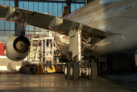 HB-JMK @ VIE - Swiss Airbus 340-300