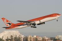 VH-OGI @ YSSY - Austrlian Airlines 767-300 - by Andy Graf-VAP