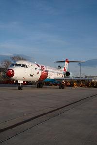 OE-LVK @ VIE - Austrian Arrows Fokker 100 in Euro 2008 colors