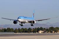HL7734 @ KLAS - Korean Air / 2005 Boeing 777-2B5 (ER)