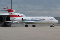 OE-LFR @ VIE - Fokker70
