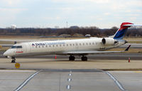 N398CA @ PHL - Comair CRJ  rests between services to/from Philadelphia