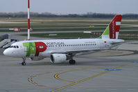 CS-TTF @ BUD - TAP Air Portugal Airbus A319 - by Thomas Ramgraber-VAP