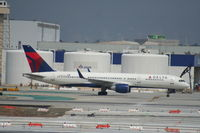 N702TW @ KLAX - Boeing 757-200 - by Mark Pasqualino