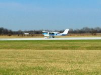 N13314 @ I95 - Departing 22 at Kenton, OH - by Bob Simmermon