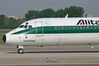 I-DATD @ LIN - ALITALIA MD-82 nose in old color - by Marco Mittini