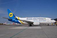 UR-GAK @ VIE - Ukraine International Boeing 737-500 - by Yakfreak - VAP
