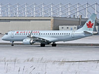 C-FHOY @ CYOW - Rolling on Rwy 25 for take off - by CdnAvSpotter