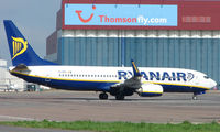EI-DPG @ EGGW - Ryanair B737 at Luton - by Terry Fletcher