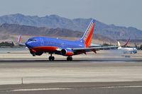 N480WN @ KLAS - Southwest Airlines / 2004 Boeing 737-7H4