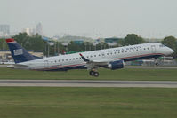 N958UW @ CLT - US Airways Embraer 190 - by Yakfreak - VAP