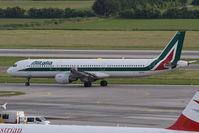 I-BIXV @ VIE - Airbus A321-112