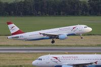 OE-LBO @ VIE - Airbus Industries A320-214