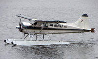 N123EF @ LHD - 1954 DHC2 Beaver about to depart  Lake Hood