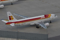 EC-HTC @ VIE - Iberia Airbus 320