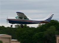N2391S @ LAL - Cessna 210L