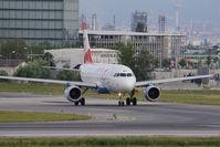 OE-LDE @ VIE - Airbus Industries A319-112
