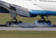 OE-LPC @ VIE - Boeing 777-2Z9