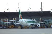D-AVYC @ EDHI - Alitalia - by Christian Waser
