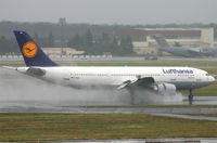 D-AIAK @ EDDF - Lufthansa - by Christian Waser