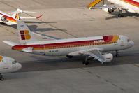 EC-HUK @ VIE - Iberia Airbus 320