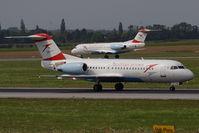 OE-LFK @ VIE - Fokker 70