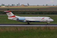 OE-LFQ @ VIE - Fokker 70