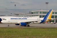 UR-DAD @ BUD - Donbassaero Airbus A320