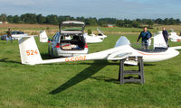 G-CGDZ - Competitor in the Midland Regional Gliding Championship at Husband's Bosworth