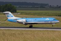 PH-WXC @ VIE - Fokker 70
